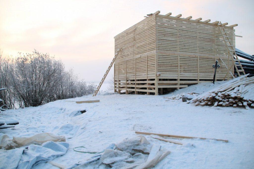 Вывоз сохранившихся элементов Успенской церкви в специально оборудованное помещение