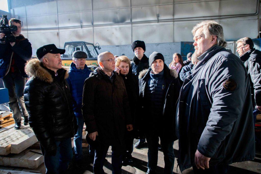 Рашид Нургалиев на лесопильном заводе в поселке Пяозерский